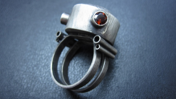 hollow_ring